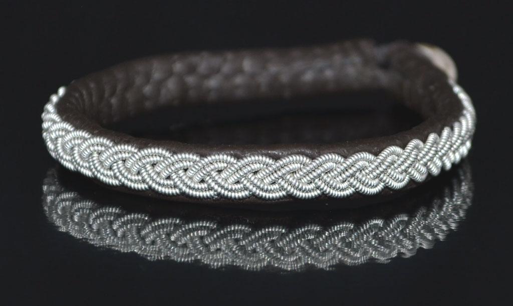 Annaviktoria schweden armband dalapferd silber 19 cm for Schwedische wohnaccessoires
